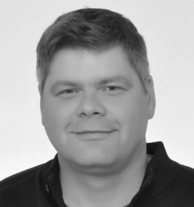 Dr. Ulrich Essmann